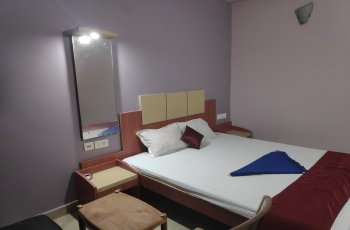 Hotel Swarnadham(Non ac room)