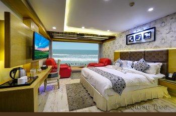 GOLDEN BLUE ROOM