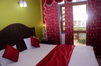 Hotel Ashray(Deluxe Ac Room )