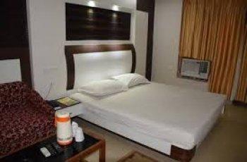 Hotel Naren Palace (Standard Ac )